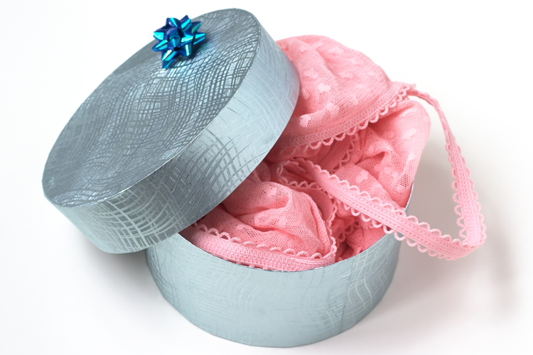 lingerie_present
